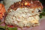 мясной батон с курицей, грушей и сыром