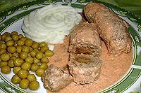 колбаски с солеными грибами