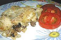 картофельная запеканка с грибами и черносливом