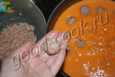 фрикадельки в луковом соусе