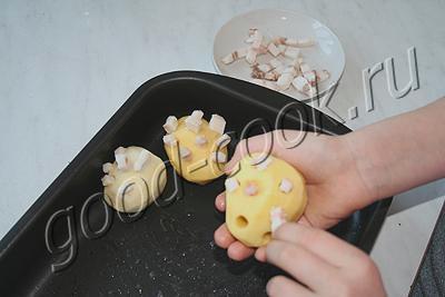 картофель запеченный с салом (ежики)