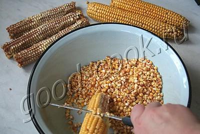 мясо тушеное с кукурузой в горшочке