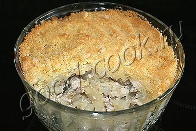 курица с картофелем, запеченные под штрейзелем