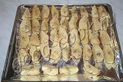 картофель, запеченный четвертинками