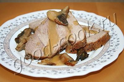 мясо запеченное в фольге с грибами
