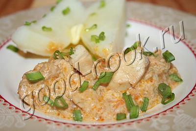 рыба с овощами, тушеная в сметане