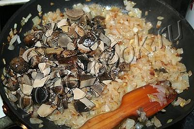 паштет из свинины с грибами запечённый в тесте