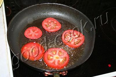 оладьи с помидорными дольками
