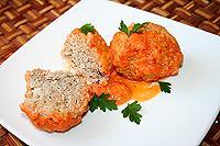 тефтели тушеные в сметанно-томатно-перечном соусе