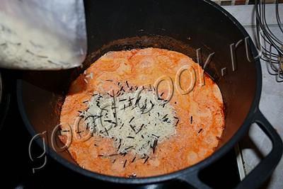 рис тушеный с мясом и овощами