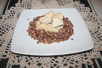 курица тушеная в луково-сметанном соусе