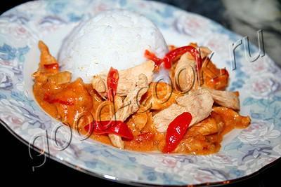 курица тушеная в сливках с болгарским перцем