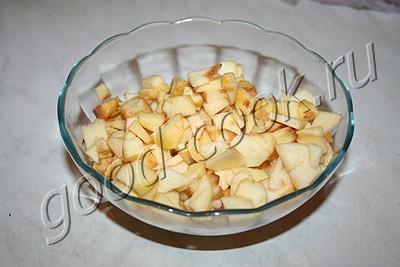 свинина тушеная с картофелем и яблоками