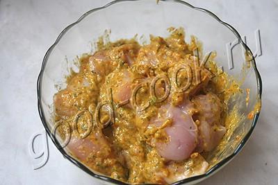 куриные шашлыки в маринаде из кураги