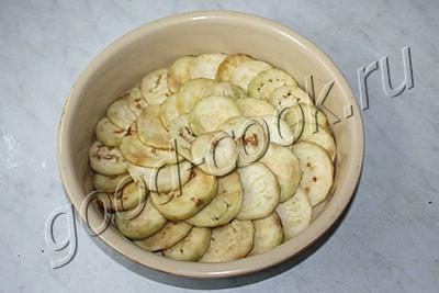 запеканка из баклажанов с луком и беконом
