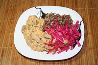 мясо тушеное в сливочно-винном соусе