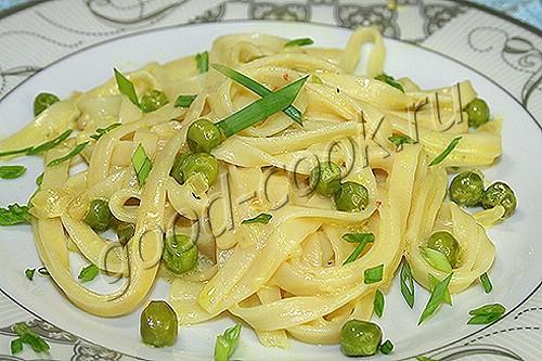 спагетти с зеленым горошком