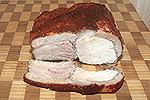 запечённое мясо с пряной корочкой