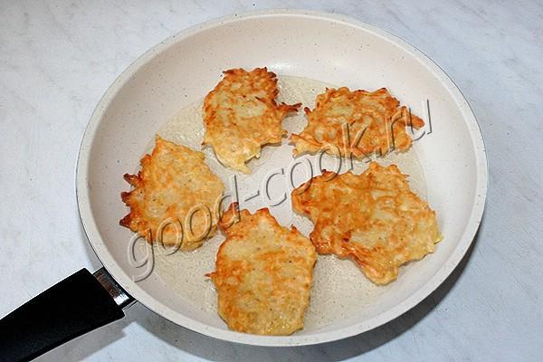 постные дрожжевые картофельные оладьи