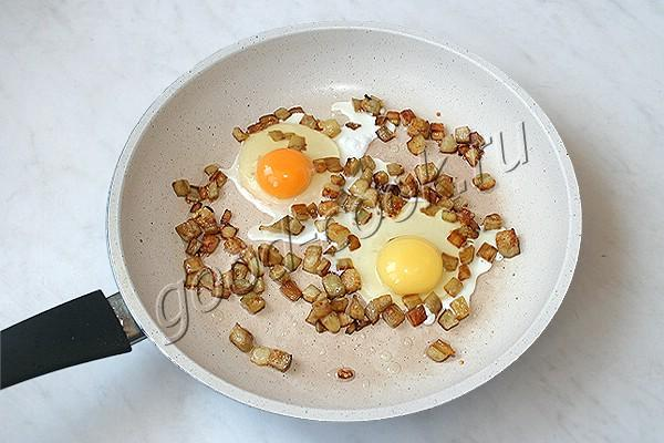 яичница с баклажанами