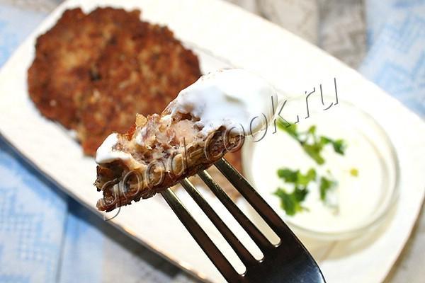 котлеты из гречки с консервированным лососем