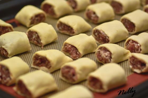 Эти шарико-пирожки можно подавать как горячую закуску, к супу или как самостоятельное блюдо с зелён... - 5