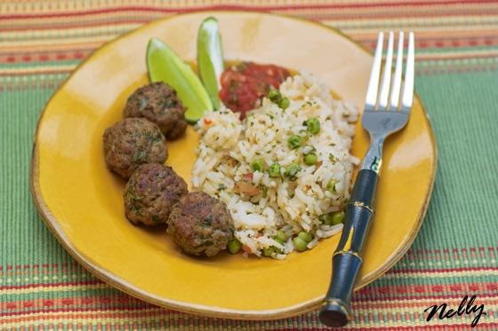 Рис чимичурри с зелёным горошком Мангольд тушеный с овощами
