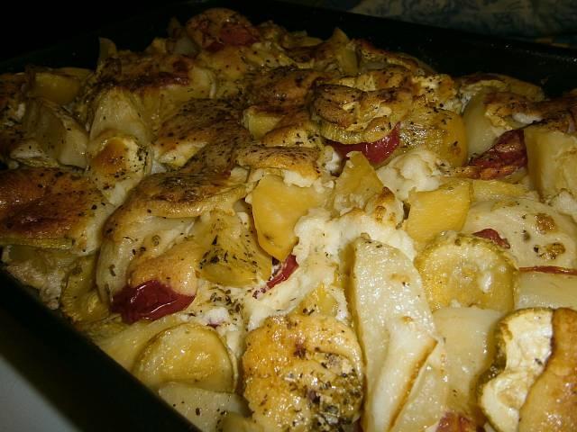 Кабачок с мясом и картошкой в духовке с фото