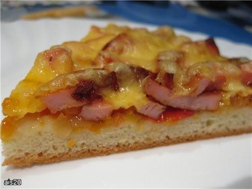 Пицца с жареной колбасой и лечо Ингредиенты: - 1/3 часть Дрожжевого теста - 300 г вареной колбасы -... - 2
