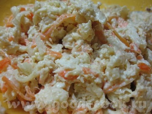Салат из редьки с куриным филе и морковью