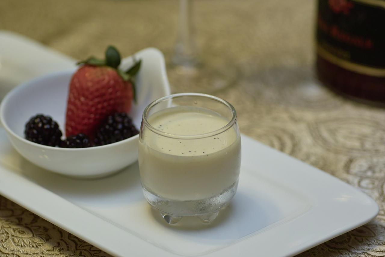 Молочное желе Источник , слова автора Молочное желе – звучит немного странно, но этот прекрасный де... - 2