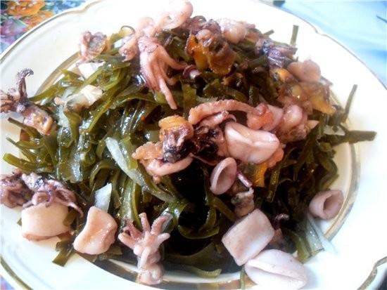 Морская капуста 300 грамм морской коктейль 200 грамм растительное масло...