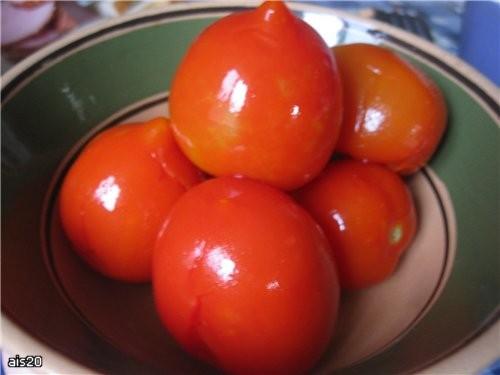 Ну а к тефтелькам уже дозревшие Соленые помидоры Угощайтесь