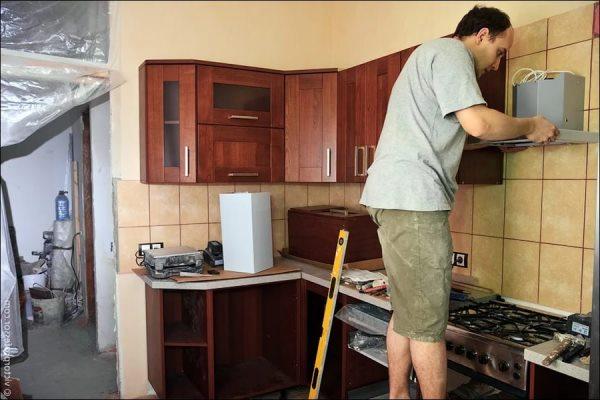 Как без больших трат «освежить» старую кухню