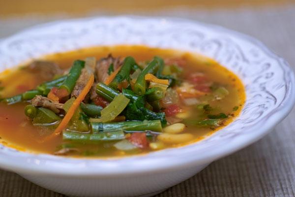 А давайте сварим суп на бульоне из бычьих хвостов