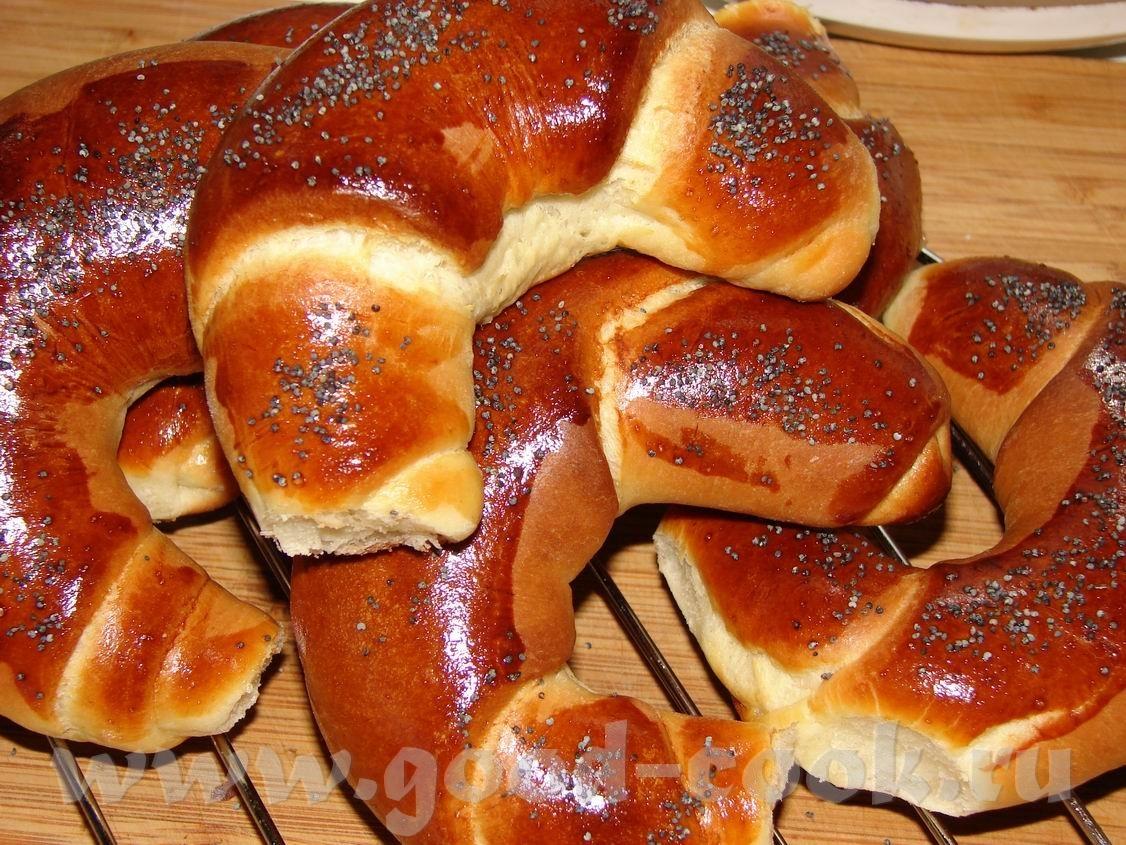 Рогалики из готового дрожжевого теста рецепт пошагово в духовке