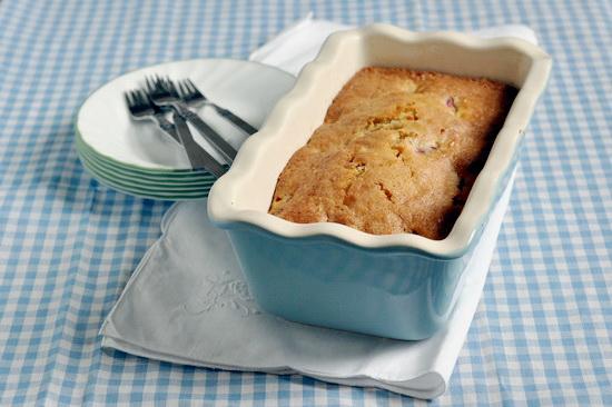 Сливовый пирог с миндалём