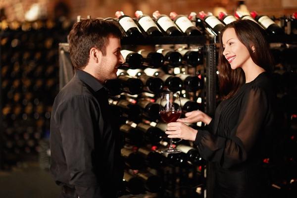 Как хранят и разливают вино