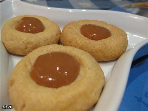 Я немного с опозданием, но с очень вкусными печенюжками Печенье с карамелью от Карамели действитель...