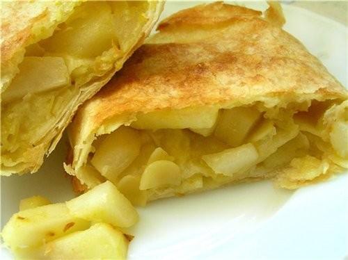 Быстрый штрудель из лаваша с яблоками и грушами Банановая запеканка Миндально-яблочные пирожные Штр...