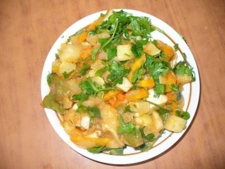 а это мои произведения курочка по-японски картошечка рагу из патисонов печенюшки - 3