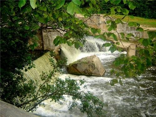 Ниагарской водопад литовского разлива Центр Вильнюса, старый город, Ратуша главная улица столицы -...