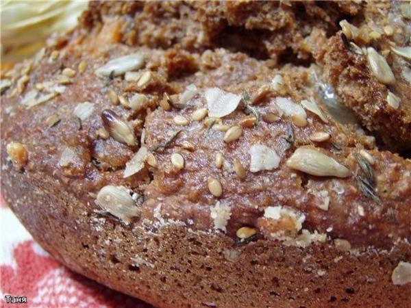 Темный хлеб на пиве с колбасой и сыром Булочки Булочки с отрубями и тимьяном