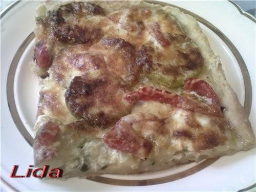 Пирог с цуккини (фото) Тесто: 1 яйцо полпачки маргарина пол стакана молока соль мука Маргарин комна...