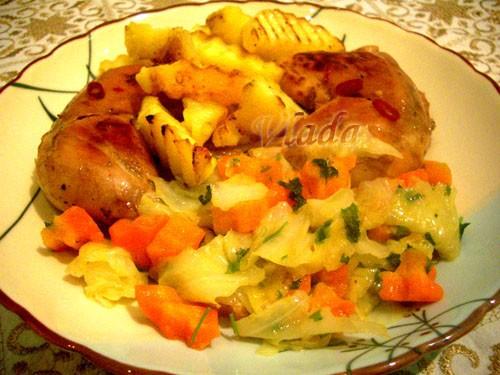Нашла у мамы в записях рецепт-правда по нему шли Гусиные окорочка-я заменила на куриные-не менее вк...