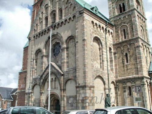 Кафедральный собор города - 6