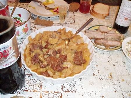 Тушеная картошечка с говядиной