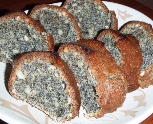 Маковый кекс 1 стакан мака 1 стакан орехов 1 стакан муки 1 стакан сахара 1 стакан сметаны 2 яйца 0