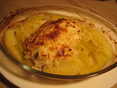 Рулетики из свинины с яблоком, сыром и горчицей Понадобится свиной шницель, небольшое зелёное несла... - 8