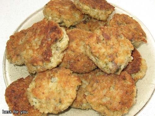 У нас сегодня на обед были вот такие вкуснятины: Рисовые котлеты Мясо с соленными грибами и сыром о...